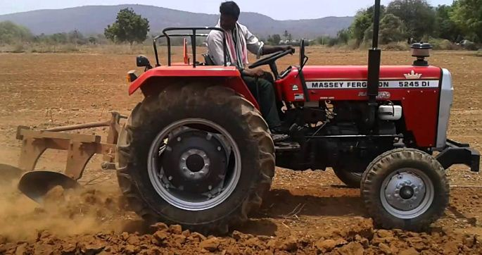 Massey Ferguson 5245 DI 4 WD Tractor Features