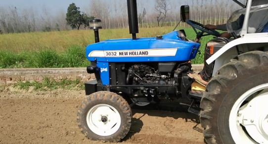 New Holland 3032 Tractor Features