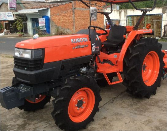 Kubota L4508 4WD Tractor Features