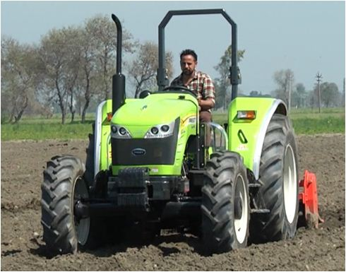 Preet 4549 4 WD Tractor Features
